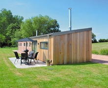 Snaptrip - Last minute cottages - Captivating Worcester Cottage S16399 -