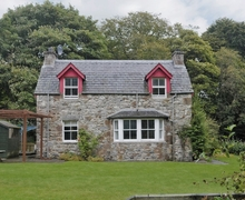 Snaptrip - Last minute cottages - Attractive Strathpeffer Cottage S24459 -