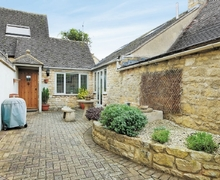 Snaptrip - Last minute cottages - Cosy Broadway Cottage S24475 -