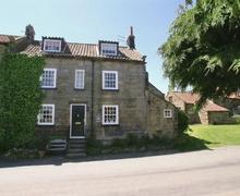 Snaptrip - Last minute cottages - Excellent Robin Hood's Bay Cottage S24576 -