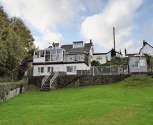 Snaptrip - Last minute cottages - Quaint Robin Hood's Bay Apartment S72583 -