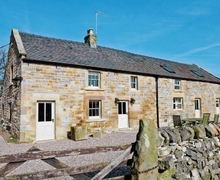 Snaptrip - Last minute cottages - Tasteful Ashbourne Cottage S16435 -
