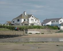 Snaptrip - Last minute cottages - Quaint Rhosneigr And Aberffraw Cottage S24756 -