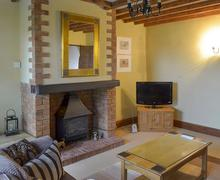Snaptrip - Last minute cottages - Gorgeous Corwen And The Berwyn Mountains Cottage S21991 -