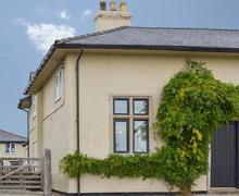Snaptrip - Last minute cottages - Wonderful Corwen And The Berwyn Mountains Cottage S21998 -