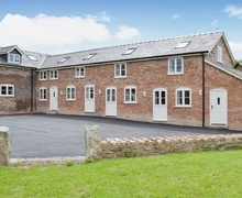Snaptrip - Last minute cottages - Attractive Mold And The Clwydian Range Cottage S37451 -