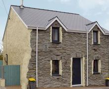 Snaptrip - Last minute cottages - Attractive Preseli Hills Cottage S71988 -