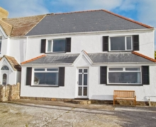 Snaptrip - Last minute cottages - Lovely Swansea Cottage S21807 -