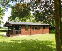 Snaptrip - Last minute cottages - Tasteful Ripon Lodge S3029 -