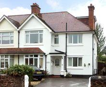 Snaptrip - Last minute cottages - Captivating Minehead Rental S2098 -