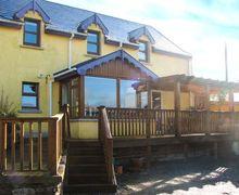Snaptrip - Last minute cottages - Exquisite  Cottage S4921 -