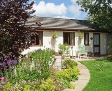 Snaptrip - Last minute cottages - Splendid Holywell View S4944 -
