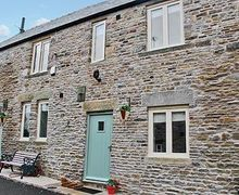 Snaptrip - Last minute cottages - Inviting Chesterfield Cottage S16543 -