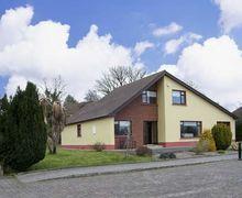 Snaptrip - Last minute cottages - Exquisite  View S5104 -