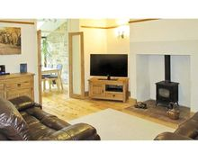 Snaptrip - Holiday cottages - Attractive Preston Cottage S3466 -