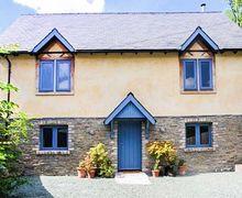 Snaptrip - Last minute cottages - Lovely Kington Cottage S74526 -