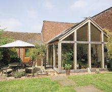 Snaptrip - Last minute cottages - Splendid Derby Cottage S16568 -