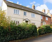 Snaptrip - Last minute cottages - Attractive Blandford Forum Lea S2300 -
