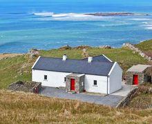 Snaptrip - Last minute cottages - Captivating Ennis Cottage S9518 -