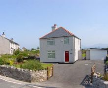 Snaptrip - Last minute cottages - Exquisite Llanfairpwllgwyngyll Fron S5345 -
