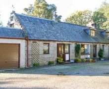 Snaptrip - Last minute cottages - Stunning Alness Cottage S5443 -