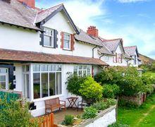 Snaptrip - Last minute cottages - Adorable Penmaenmawr Glas S5465 -