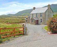 Snaptrip - Last minute cottages - Luxury  Rental S5474 -