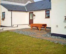 Snaptrip - Last minute cottages - Attractive Llangefni Cottage S5503 -