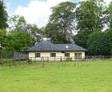 Snaptrip - Last minute cottages - Gorgeous Kilmallock Lodge S9133 -