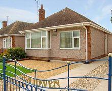 Snaptrip - Last minute cottages - Quaint Prestatyn Haven S5607 -