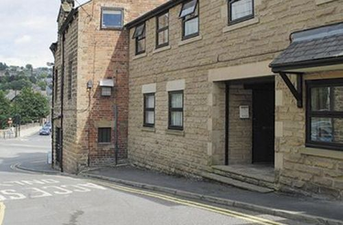Snaptrip - Last minute cottages - Cosy Matlock Apartment S16643 -