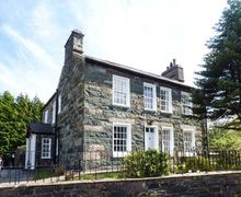 Snaptrip - Last minute cottages - Captivating Caernarfon Wen S5685 -