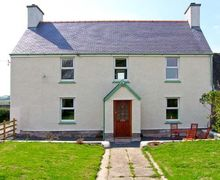 Snaptrip - Last minute cottages - Wonderful Llanfairpwllgwyngyll Rental S5803 -