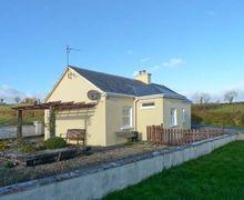 Snaptrip - Last minute cottages - Quaint  Fhonn S5829 -