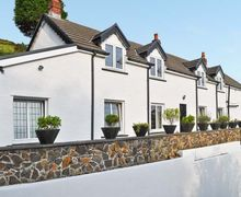 Snaptrip - Last minute cottages - Adorable Burry Port Cwm S5877 -