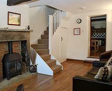 Snaptrip - Last minute cottages - Excellent Tideswell Cottage S16685 -