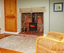 Snaptrip - Last minute cottages - Attractive Lincoln Road S2649 -