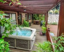 Snaptrip - Last minute cottages - Attractive Holywell Rental S25995 -