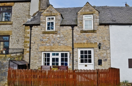 Snaptrip - Last minute cottages - Charming Tideswell Cottage S16690 -