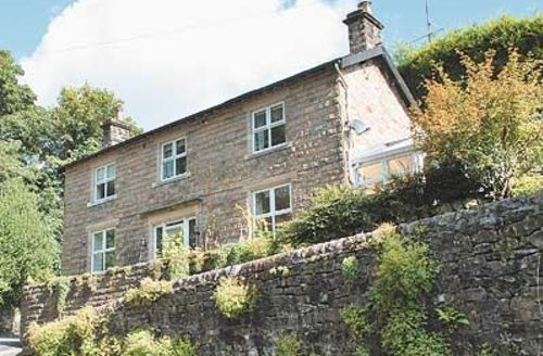 Snaptrip - Last minute cottages - Stunning Tideswell Cottage S16691 -