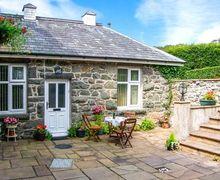 Snaptrip - Last minute cottages - Beautiful Dolgellau Cottage S9233 -