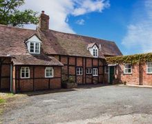 Snaptrip - Last minute cottages - Cosy Gloucester Cottage S2743 -