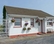 Snaptrip - Last minute cottages - Wonderful  Cottage S6156 -