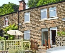 Snaptrip - Last minute cottages - Attractive Matlock Cottage S4305 -