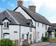 Snaptrip - Last minute cottages - Adorable Builth Wells House S6213 -