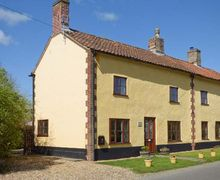 Snaptrip - Last minute cottages - Luxury Thetford House S2797 -