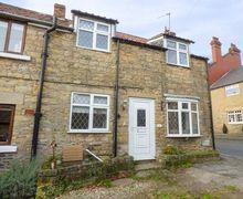 Snaptrip - Last minute cottages - Luxury Snainton Cottage S73898 -