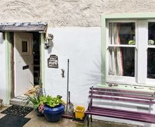 Snaptrip - Last minute cottages - Tasteful Gardenstown Rental S25997 -