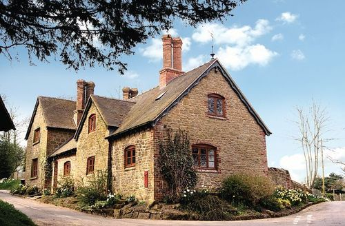 Snaptrip - Last minute cottages - Delightful Church Stretton Cottage S16750 -