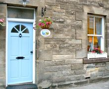 Snaptrip - Last minute cottages - Attractive Morpeth Cottage S4475 -